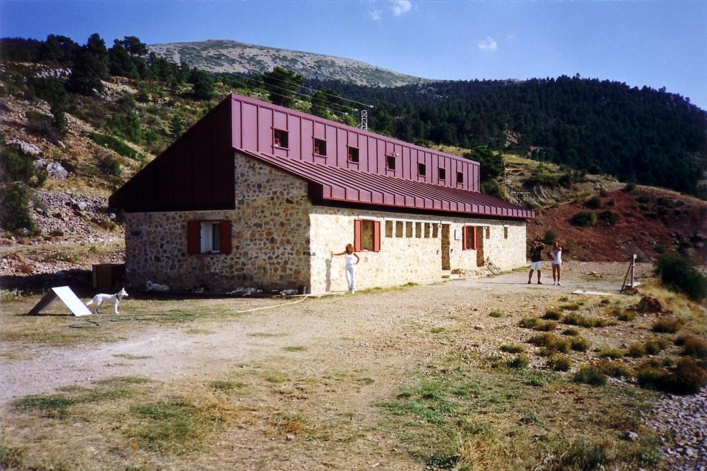 """Refugio de la Sierra de Javalambre (Teruel) agosto 1999 - Coordenadas GPS: 40°07'08.0""""N 1°02'13.3""""W"""