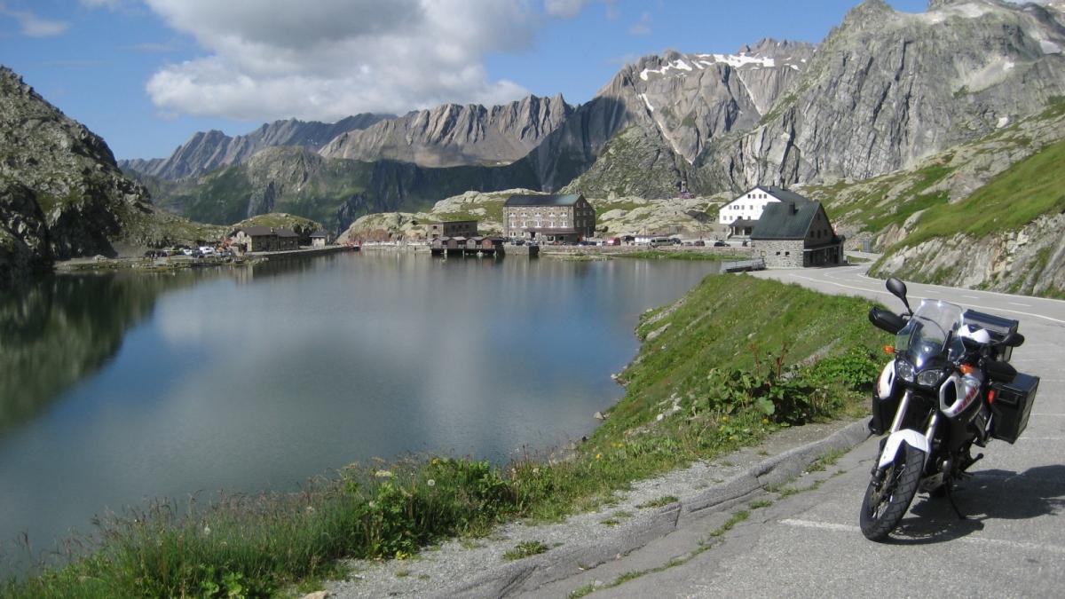 Los Alpes '14 - Día 5: Gran San Bernardo - Furkapass (Suiza)