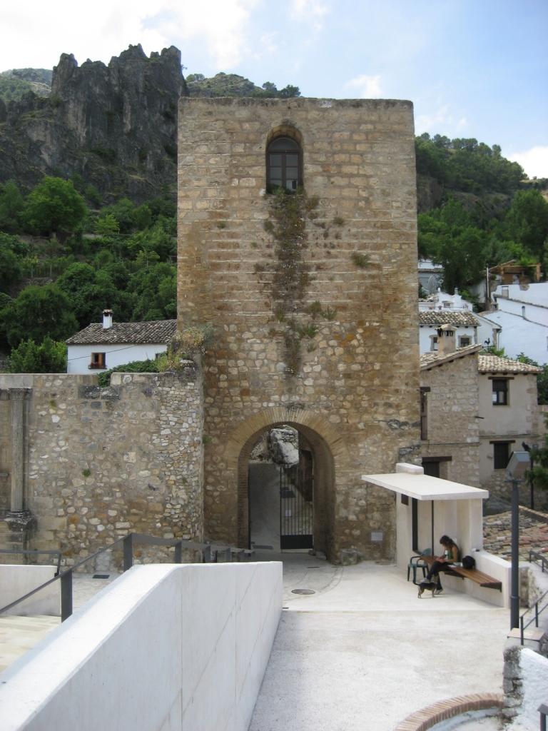 """Castillo de La Iruela (Jaén), junio 2011 - Coordenadas GPS: 37°55'14.2""""N 2°59'26.3""""W"""