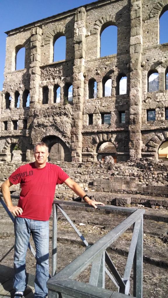 Las Ruinas del Teatro Romano de Aosta (Italia)