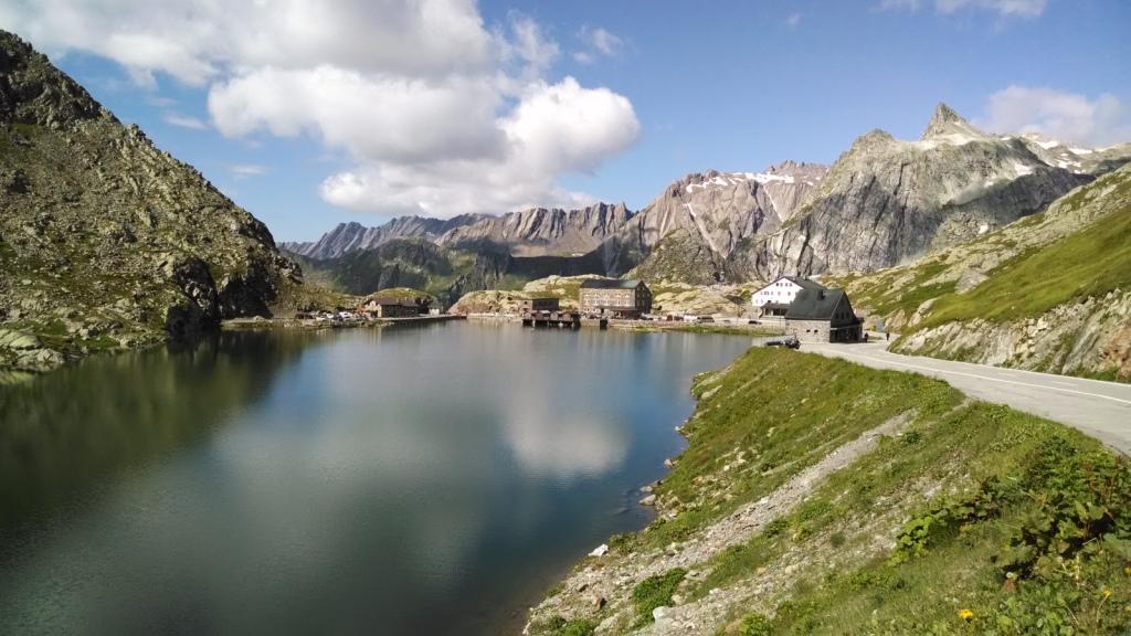Gran San Bernardo, Italia visto desde Suiza