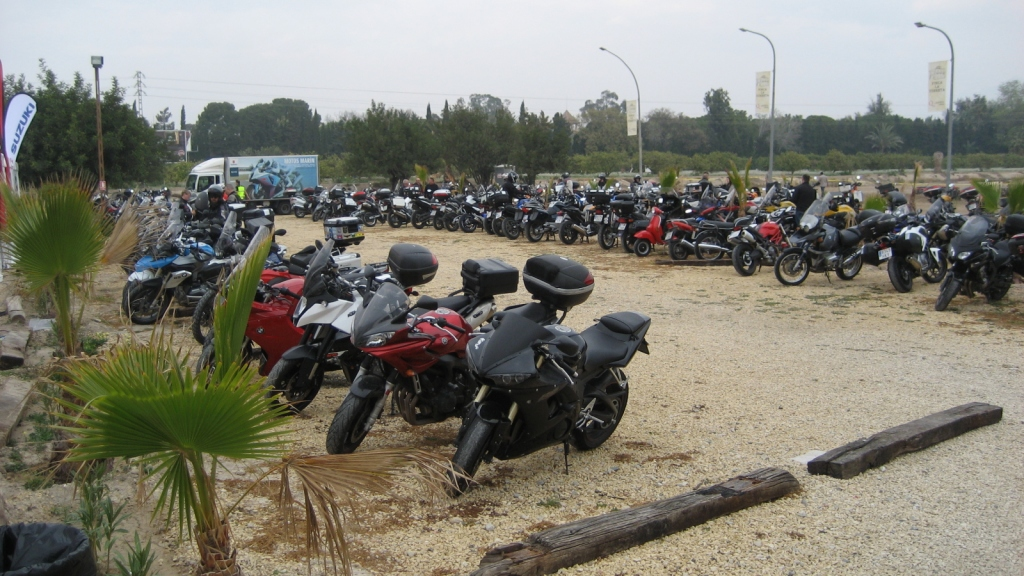 El aparcamiento - Touratech Travel Event 2014 San Juan (Alicante) marzo 2014