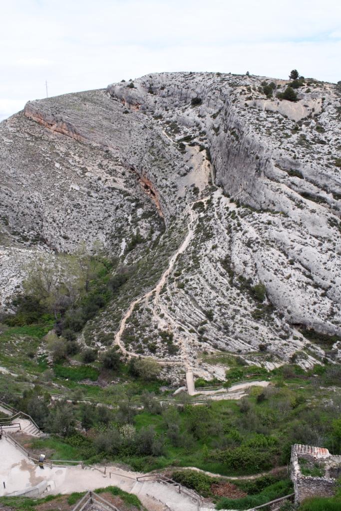 Camino a Les Covetes dels Moros