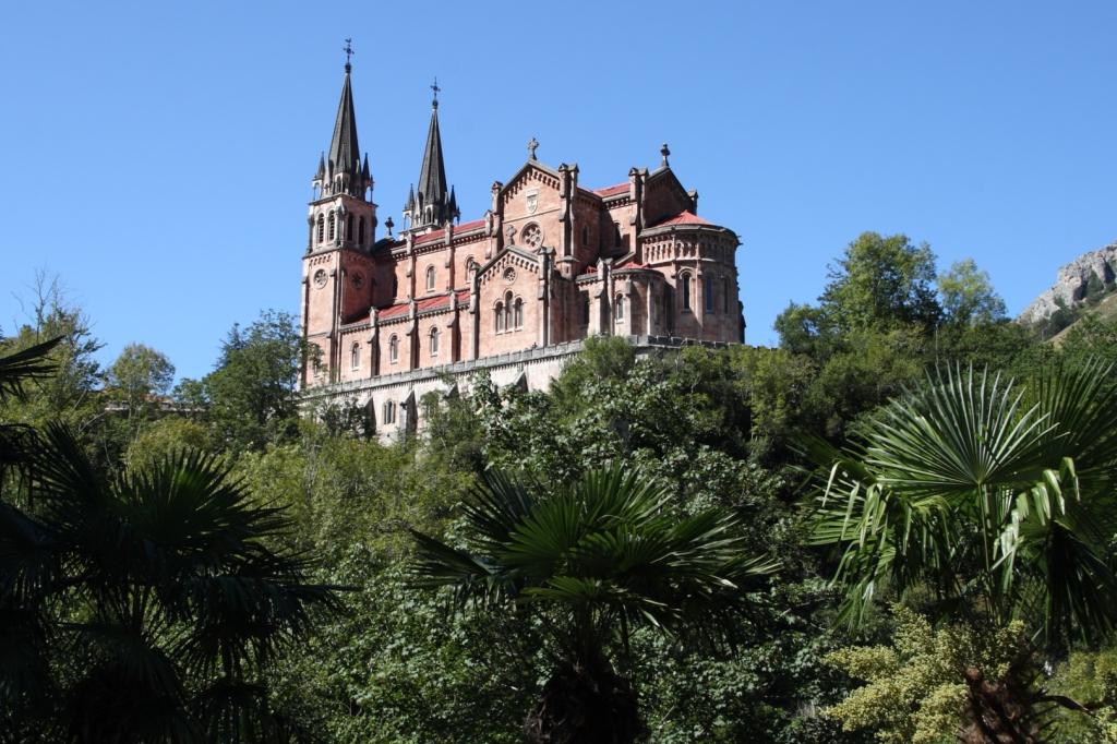 """Santuario de Covadonga (Asturias) - Coordenadas GPS: 43°18'26.6""""N 5°03'06.3""""W"""